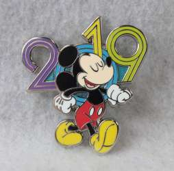 2019 Year Pins Booster Set