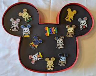 Funko POP! Loungefly - Year of The Mouse 12 Pin Set